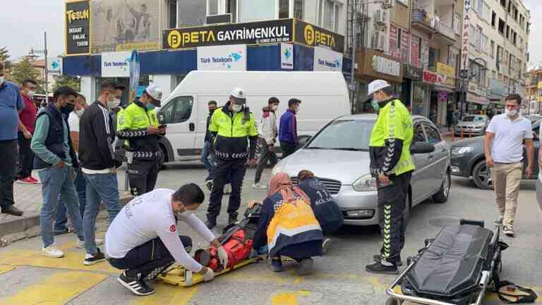 Aksaray'da yaşlı kadına çarpıp azarlayan sürücü