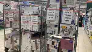 Boykotta son durum: Suudi Arabistan'da markette 'Türk markalarına dokunmayın' yazıları asıldı