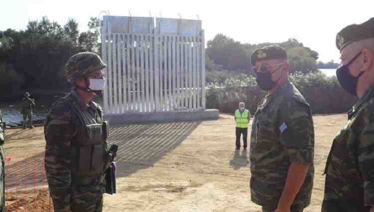 Yunanistan sınıra 27 km'lik metal çit yapımına başladı
