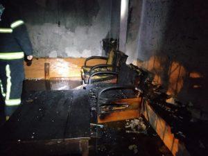 Alkollüyken kendi evini yaktı