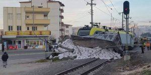 Tren kazası 2 yaralı