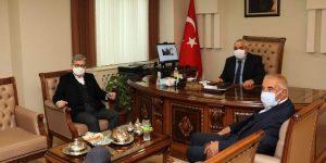 Kadir Kurtul Rektör Özgül'ü ziyaret etti