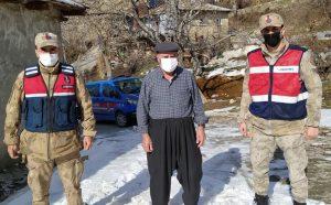 Kahramanmaraş'ta Jandarma yaşlılar haftasında gönülleri fethetti