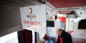 Kahramanmaraşlılar Kızılay'a kan bağışladı