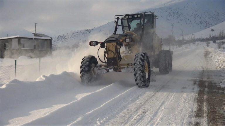 Kahramanmaraş'ta 2 ilçede yüz yüze eğitime kar engeli