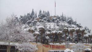 Kar nedeniyle Kahramanmaraş'ta 216 mahalleye ulaşım sağlanamıyor