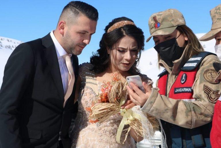 Nişanlı çiftin fotoğraf çekimi sırasında KADES uyarısı