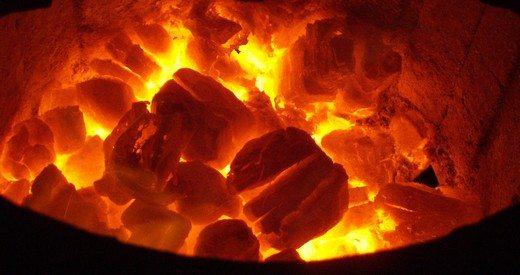 Kahramanmaraş'ta ev yangınında 3 kişi dumandan zehirlendi
