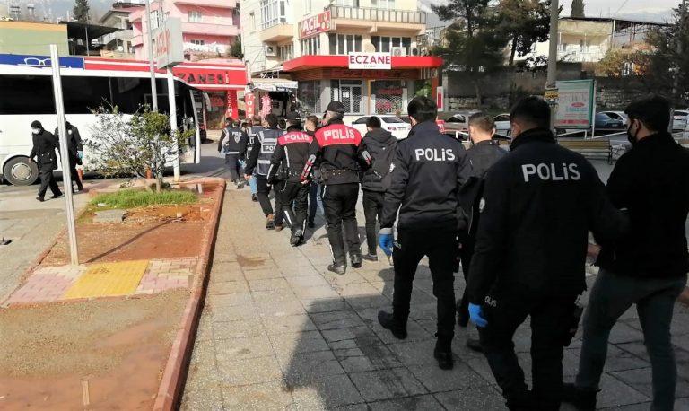 Aranan 85 kişi polis ekiplerince yakalandı