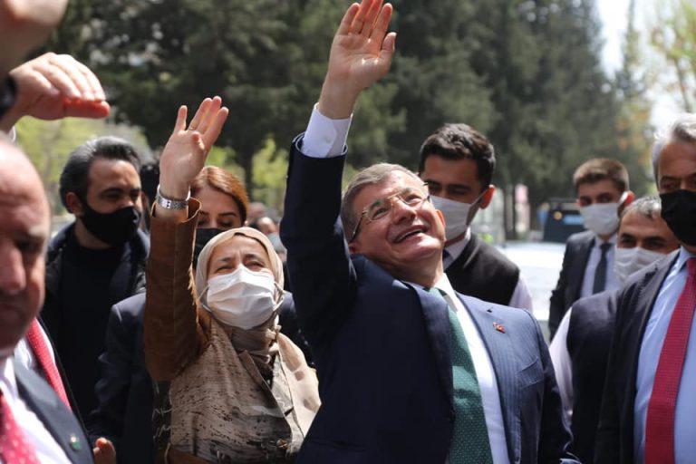 """Ahmet Davutoğlu, """"Kahramanmaraş ne zaman anılsa yüreği titreyen bir hemşerinizim."""""""