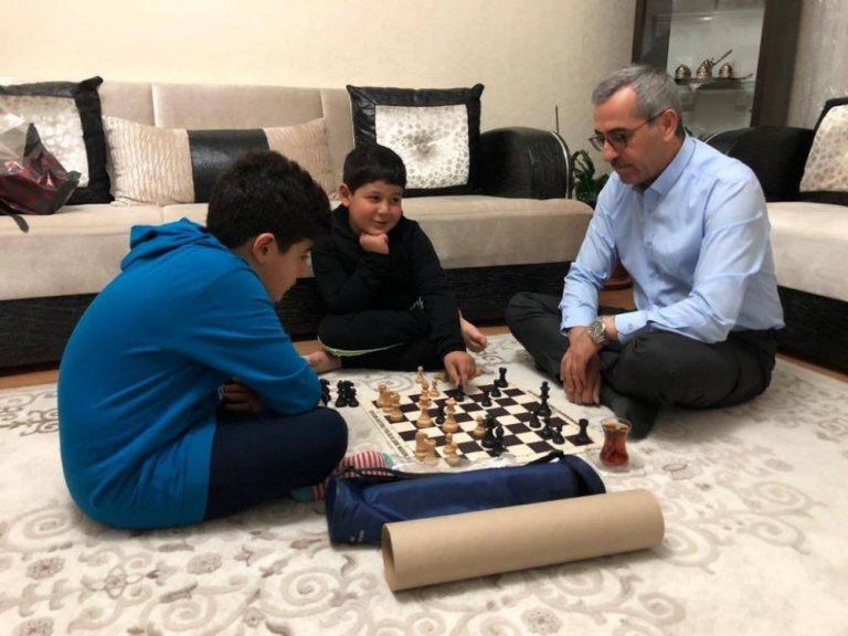 Başkan Güngör'den Şehit Ailesine Ziyaret