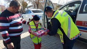 Jandarma'dan özel kız çocuğuna sürpriz