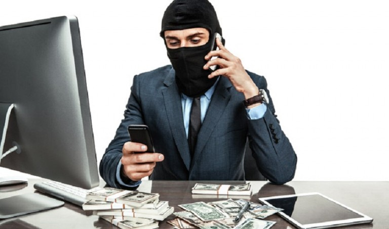 """Dolandırıcıların Yeni Yöntemi: """"Sahte Maske Cezası"""""""