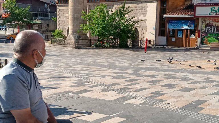 Güvercin Dede, Ramazan Bayramı'nda Güvercinleri Unutmadı