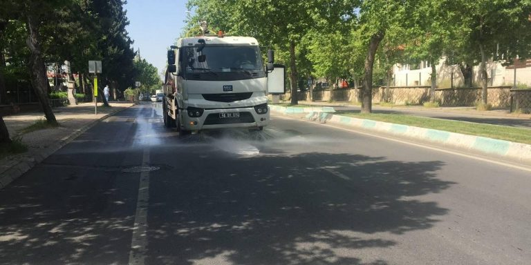 Büyükşehir Kent Genelinde Temizlik Çalışmalarını Sürdürüyor