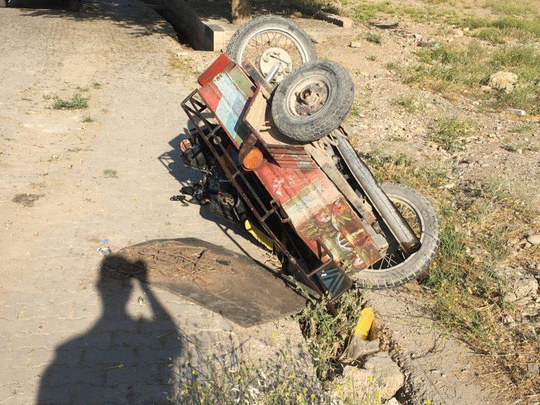 Ehliyetsiz  Motosiklet Sürücüsü Otomobille Çarpıştı: 1 Yaralı!