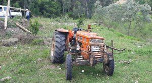 Traktör Elektrik Direğine Çarptı: 1 Yaralı