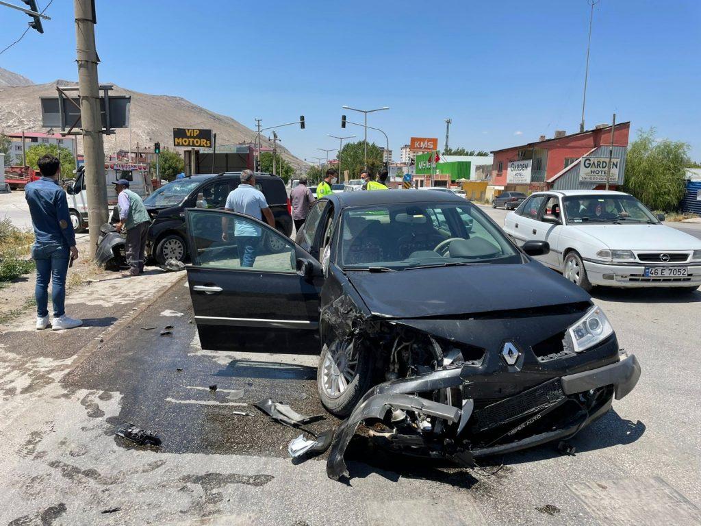 Kahramanmaraş'ta Kaza: 5 Yaralı