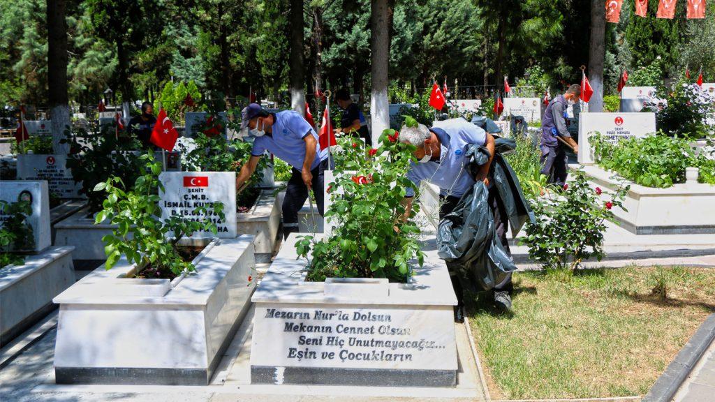 Şeyhadil Mezarlığında Çevre Düzenlemesi Yapılıyor