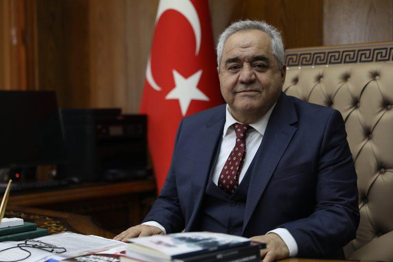İstiklal Üniversitesi Rektörü Prof. Dr. Özgül'ün 15 Temmuz Mesajı