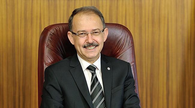 """Prof. Dr. Dağlı:  """"Bayram coşkusuyla evlerimiz huzur dolsun"""""""