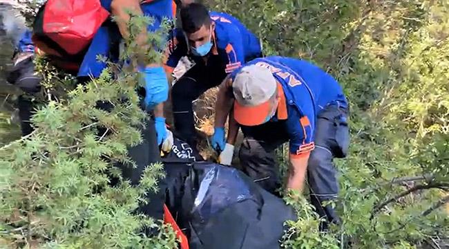 Emine öğretmeni ekipler ağaçta asılı buldu
