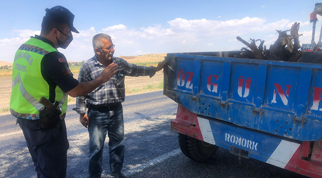Jandarma trafik ekipleri tarım araçlarını denetledi