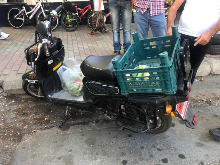 Otomobille çarpışan elektrik bisiklet sürücüsü yaralandı