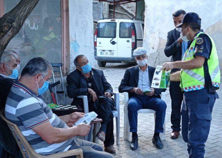 Kahramanmaraş'ta traktör sürücüleri bilgilendirildi