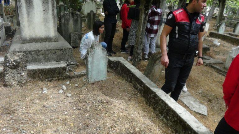 Mezarlıkta bulunan bebeğin anne ve anneannesi serbest bırakıldı
