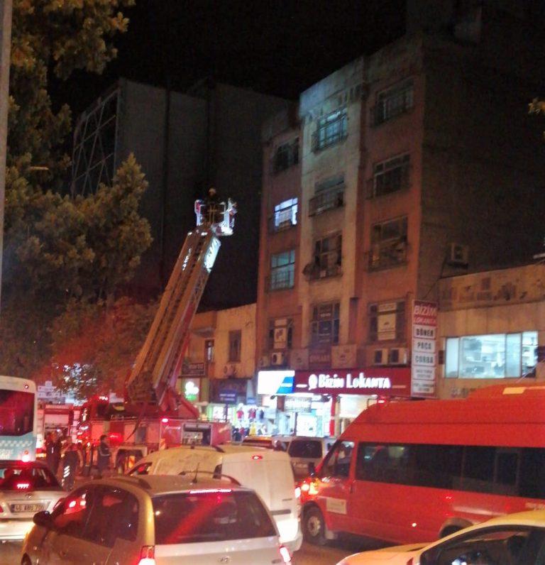Lokanta bacasında çıkan yangın paniğe neden oldu